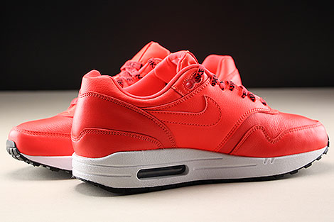 Nike WMNS Air Max 1 SE Bright Crimson Inside