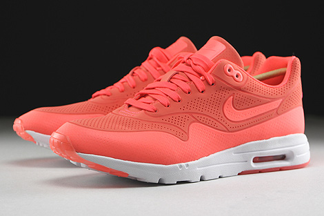 Nike WMNS Air Max 1 Ultra Moire Hot Lava Hot Lava White Sidedetails