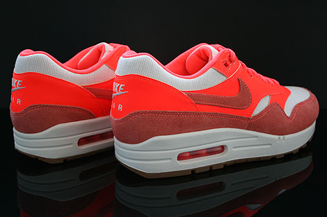 Nike WMNS Air Max 1 Vintage Sail Bright Mango Total Crimson Back view