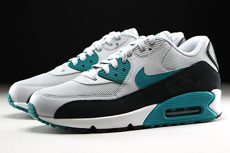 Nike WMNS Air Max 90 Essential Pure Platinum Radiant Emerald Black Summit White Sidedetails