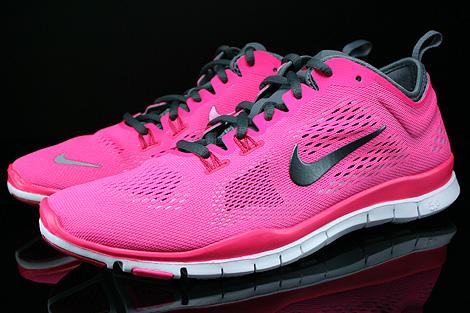 Nike WMNS Free 5.0 TR Fit 4 Hyper Pink Dark Grey Cool Grey Wolf Grey Profile
