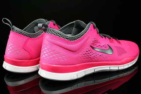 Nike WMNS Free 5.0 TR Fit 4 Hyper Pink Dark Grey Cool Grey Wolf Grey Back view