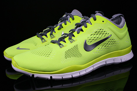 Nike WMNS Free 5.0 TR Fit 4 Volt Cool Grey Wolf Grey White Profile