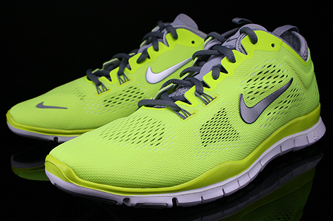 Nike WMNS Free 5.0 TR Fit 4 Volt Cool Grey Wolf Grey White Sidedetails