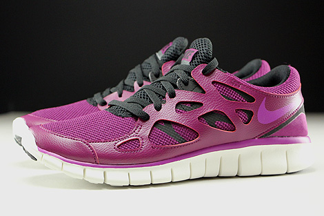 1d3ea7691521 ... Nike WMNS Free Run 2 EXT Mulberry Purple Dusk Black Dark Grey Profile  ...