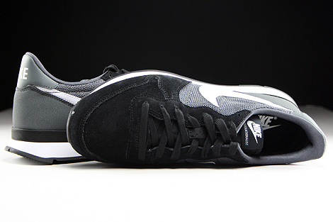 Nike WMNS Internationalist Black White Dark Grey Black Over view