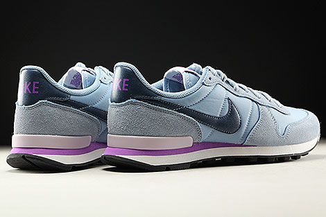 Nike WMNS Internationalist Blue Grey Squadron Blue Back view
