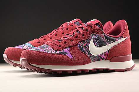 Nike WMNS Internationalist Premium Team Red Sail Floral Sidedetails