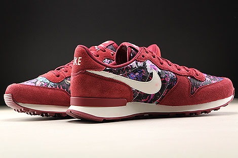 Nike WMNS Internationalist Premium Team Red Sail Floral Inside
