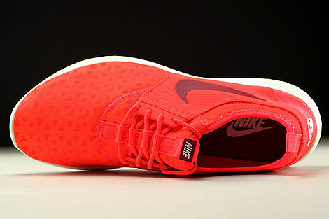 Nike Juvenate Bright Crimson Noble Red Sail Over view