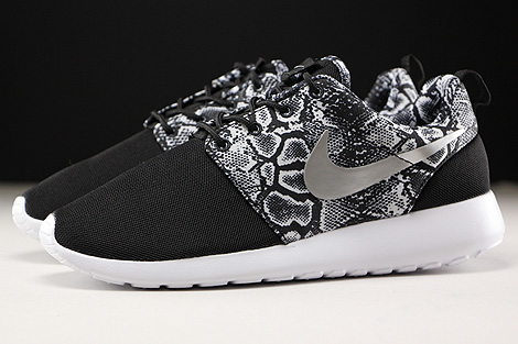 Nike WMNS Roshe One Print Black Metallic Silver White Profile
