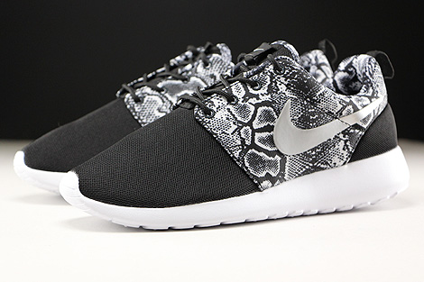 Nike WMNS Roshe One Print Black Metallic Silver White Sidedetails