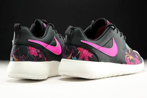 Nike WMNS Roshe One Print Schwarz Pink Tuerkis Creme Rueckansicht