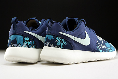 Nike WMNS Roshe One Print Midnight Navy Fiberglass Sail Back view