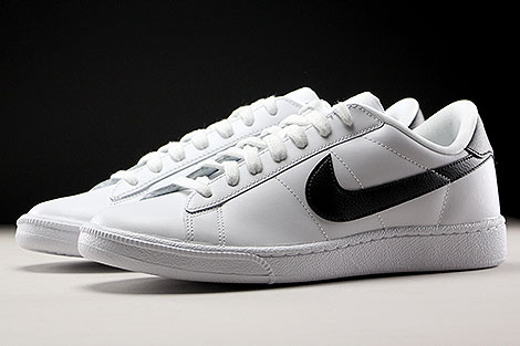 Nike WMNS Tennis Classic White Black Sidedetails