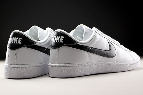 Nike WMNS Tennis Classic White Black Back view