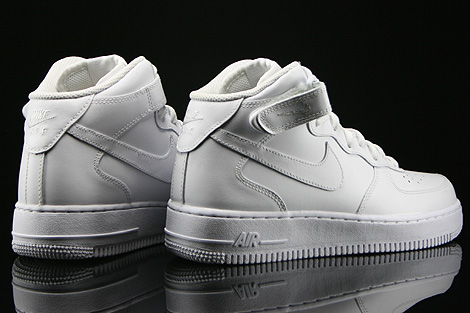 Nike WMNS Air Force 1 Mid White Back view