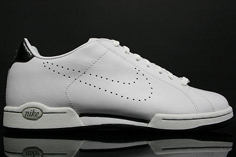 Nike Advantage Classic White Black