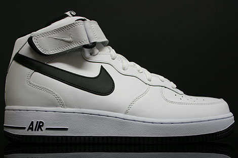 Nike Air Force In Weiß