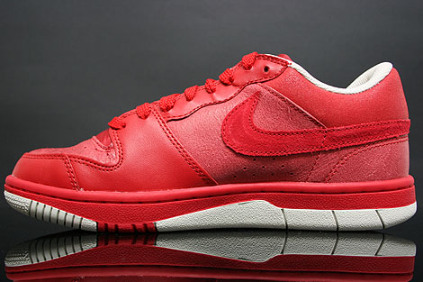 Nike Court Force Low Uni Rot Seitendetail