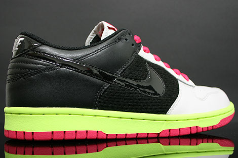 Nike Dunk Low WMNS Grey Black Berry Volt Inside