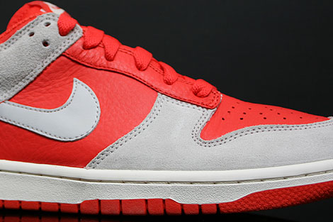 Nike Dunk Low CL Orange Grau Seitendetail