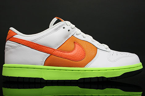 Nike Dunk Low WMNS White Orange Rechts