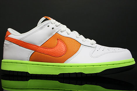 Nike Dunk Low WMNS White Orange Seitenansicht