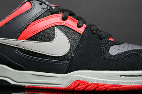 Nike Zoom Oncore Black Grey Anthracite Red Sidedetails