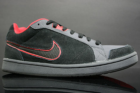 Nike Switch D Black Red Anthracite Profile