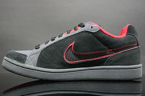Nike Switch D Schwarz Rot Anthrazit Seitendetail