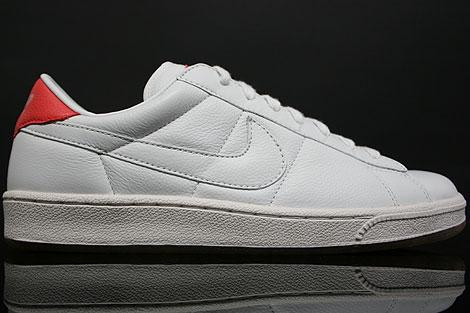 Nike WMNS Tennis Classic White Pink