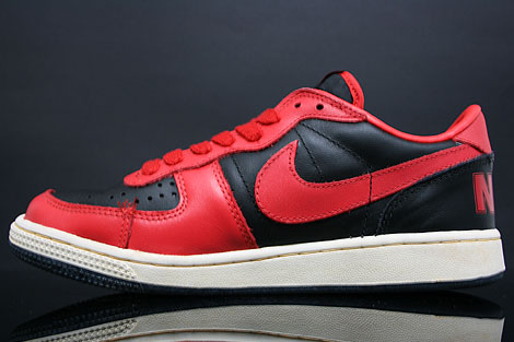 Nike Terminator Low Vintage Black Red Sidedetails